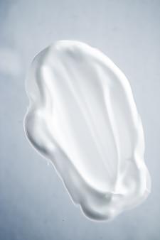 Crème zeep handwas ontsmettingsmiddel of cosmetische uitstrijkje als antibacteriële reiniging en hygiëne textuur scheren...