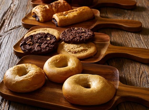 Croissant muffin cookie bagel en napolitaans