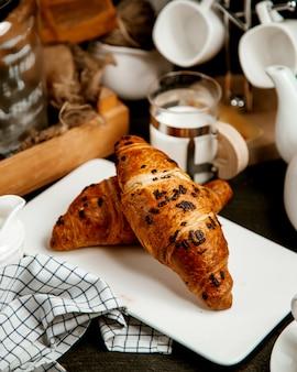 Croissants gevuld met chocoladeschilfers
