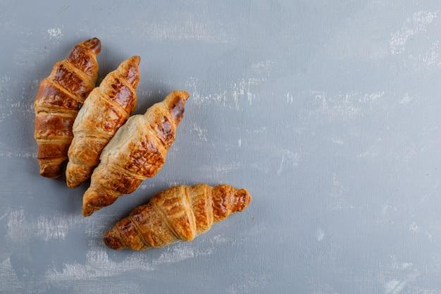 Croissants. plat lag.
