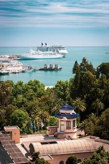 Cruises in de haven van malaga
