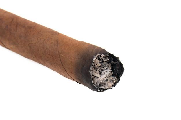 Cubaanse sigaren geïsoleerd op een witte achtergrond
