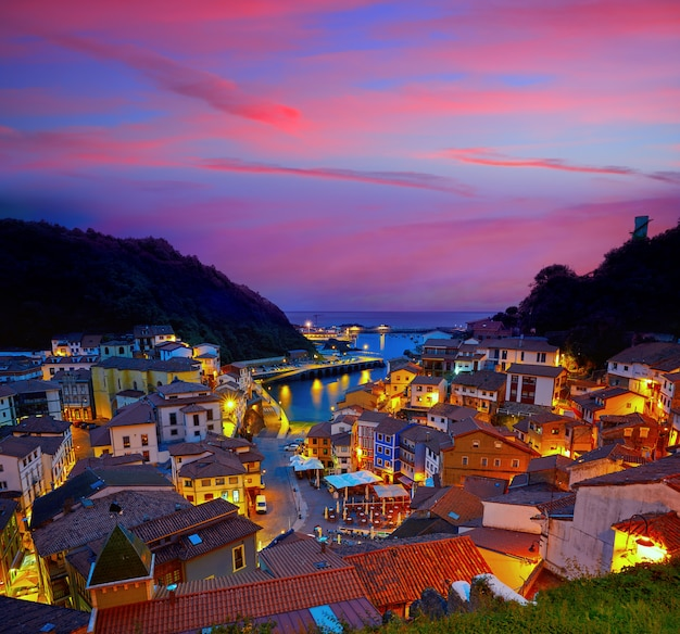 Cudillero dorp in asturië, spanje