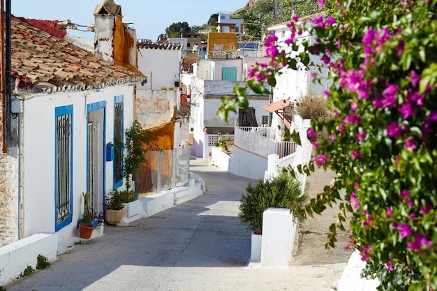 Cullera dorpsstraten in het mediterrane valencia