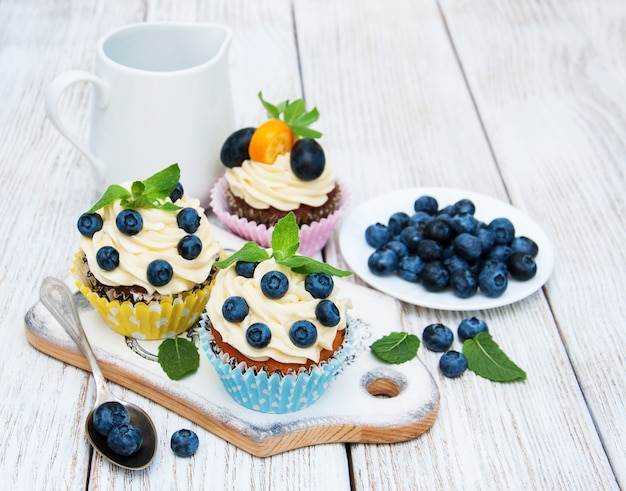 Cupcakes met verse bessen