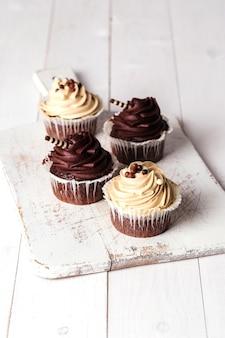 Cupcakes op tafel
