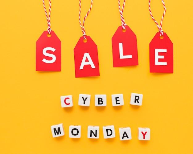 Cyber maandag verkoop rode etiketten concept
