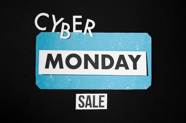 Cyber monday-verkoop op papierbladen