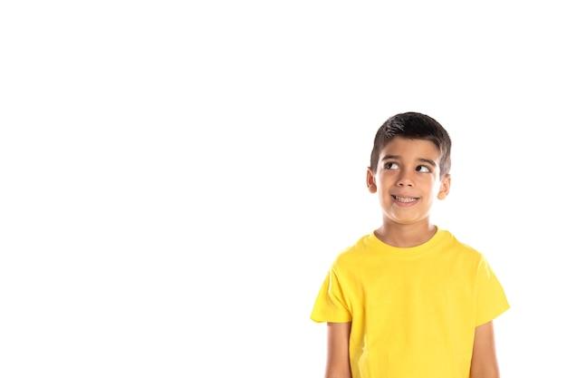 Dagdromen jongen opzoeken geïsoleerd op een witte achtergrond