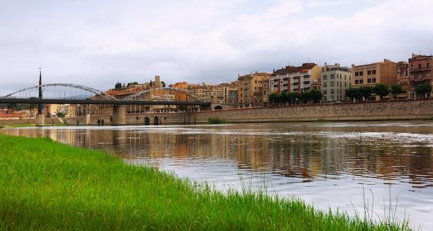 Dagweergave van ebre rivier in tortosa