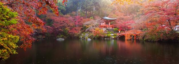 Daigo-ji-tempel in de herfst