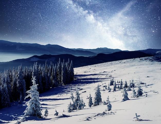 Dairy star trek in de winter karpaten. oekraïne europa. instagram verstevigend effect