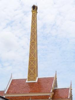 Dak van crematorium in thaise stijl