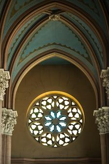 Dakraam van een kerk