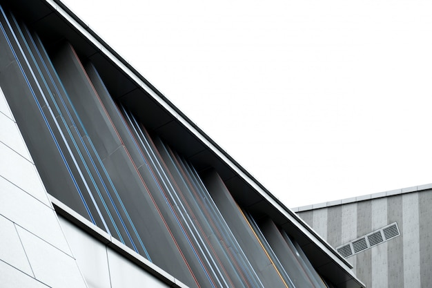 Daksectie van een stedelijk modern gebouw