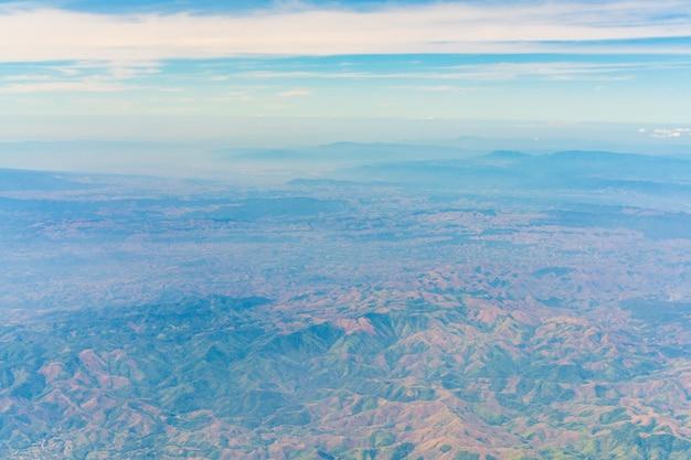 Dal berg rots boven landschappelijke