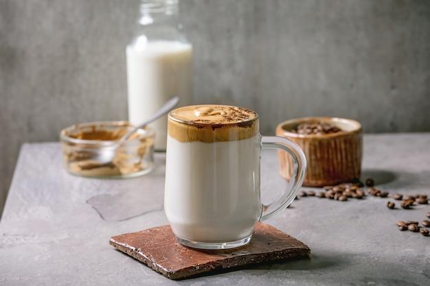 Dalgona schuimige koffie