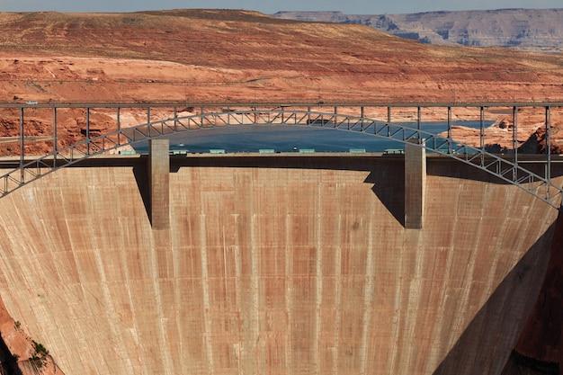 Dam op de rivier van colorado in arizona, paige