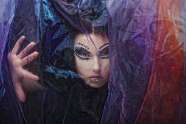 Dark beautiful gothic princess. halloween feest.