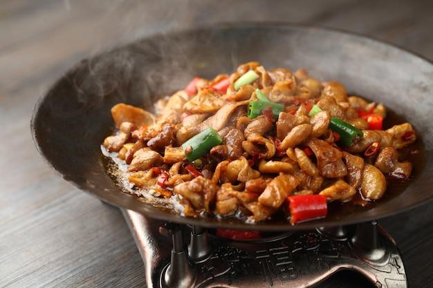 Darm hete wok