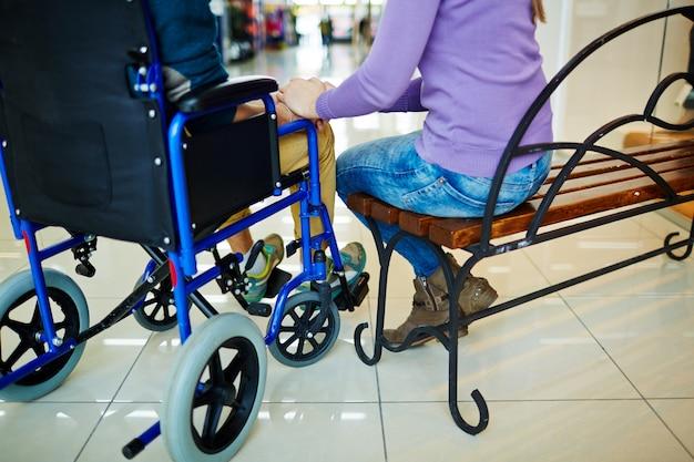 Daten in een rolstoel