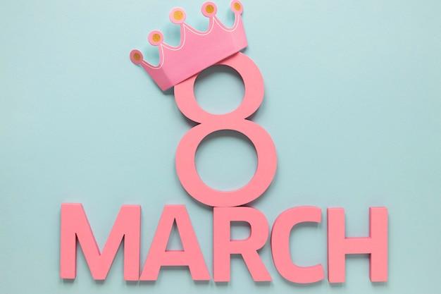 Datum en maand voor vrouwendag met kroon