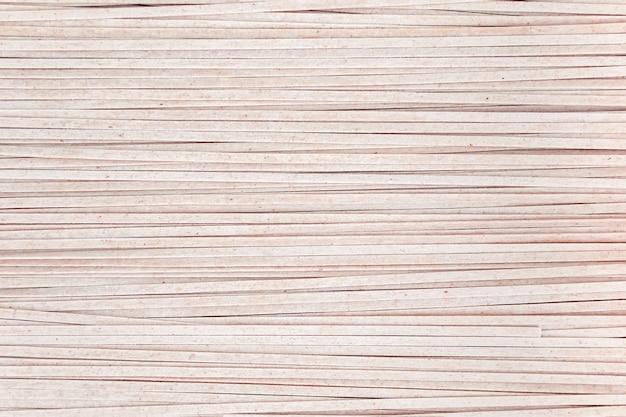 De achtergrond van bruine sobanoedels sluit omhoog.