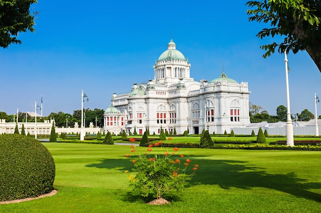 De ananta samakhom throne hall is een voormalige ontvangsthal in dusit palace in bangkok, thailand