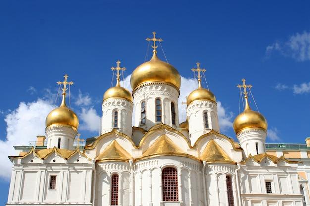 De annunciatie kathedraal en de aartsengel
