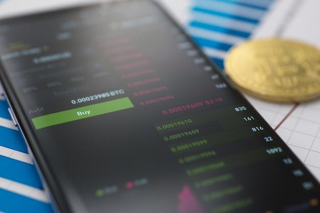De applicatie voor de handel op bitcoin-aandelen