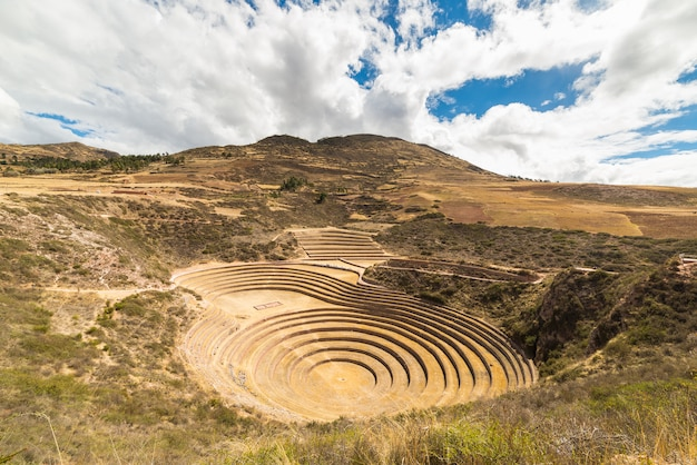 De archeologische vindplaats in moray, reisbestemming in cusco en de heilige vallei, peru.