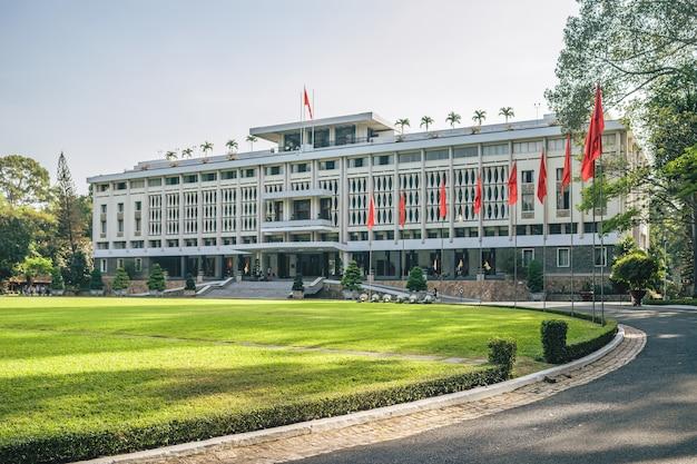 De architectuur van het onafhankelijkheidspaleis, ho chi minh-stad