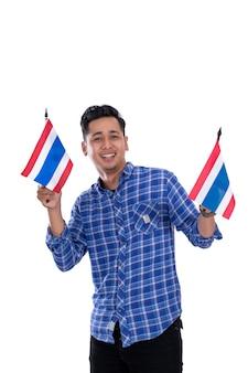 De aziatische jonge mannelijke vlag van holdingsthailand