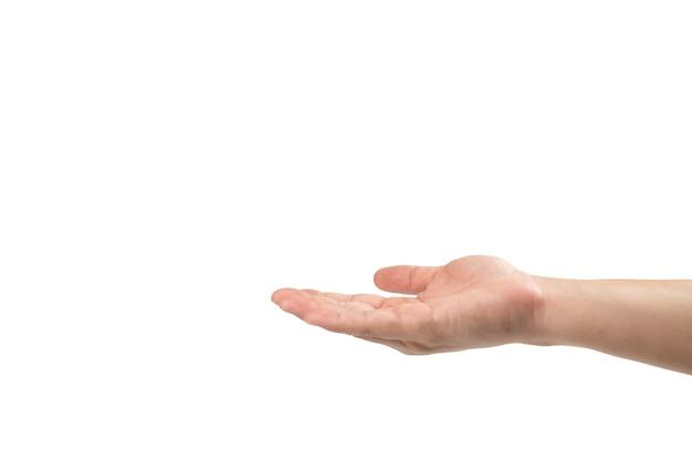 De aziatische mensenhand overhandigt om iets op witte achtergrond te ontvangen. uitknippad