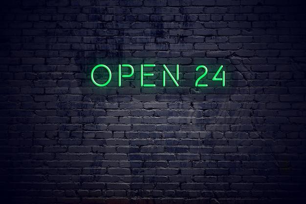 De bakstenen muur bij nacht met neonteken opent 24