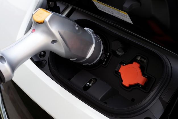 De batterij van de close-uplader voor elektrische auto