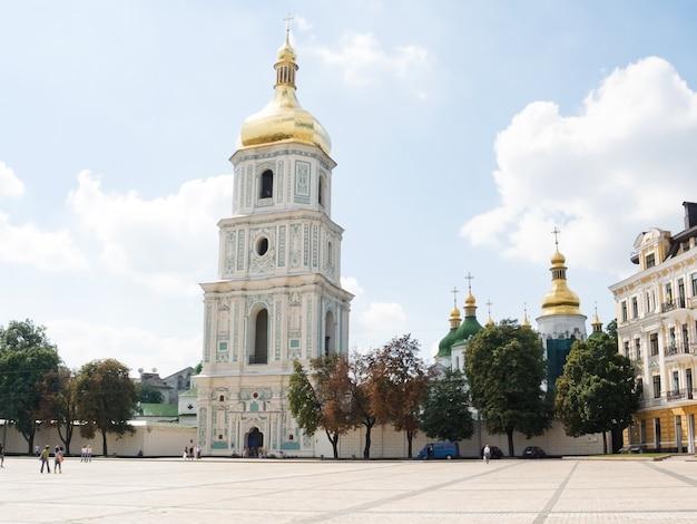 De belangrijkste klokkentoren van een het kievo-pechora-klooster. kiev. oekraïne.
