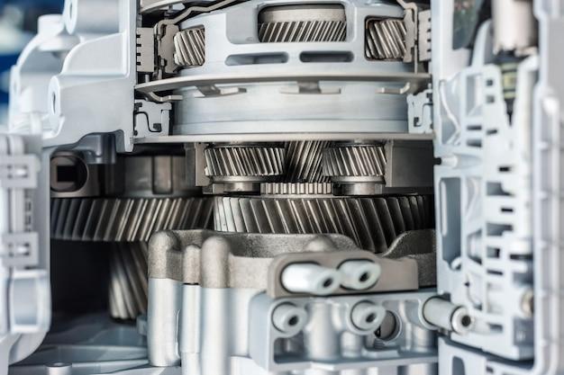 De binnenstructuur van de automotive versnellingsbak