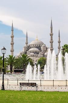 De blauwe moskee (sultanahmet moskee) in istanbul, turkije