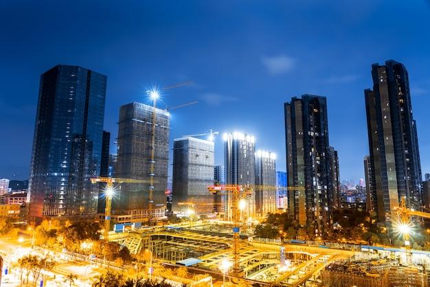 De bouwplaats van de xixan-tempel in fuzhou onder de nacht