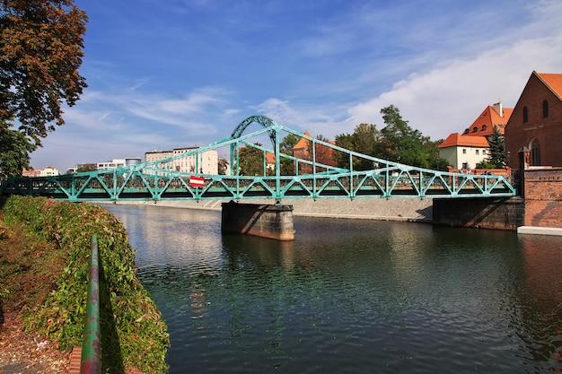 De brug in wroclaw-stad in polen