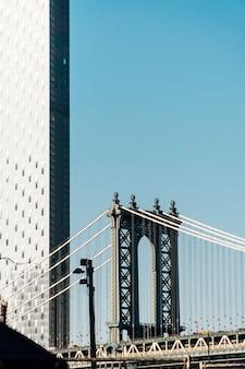 De brug van manhattan in de stad van new york