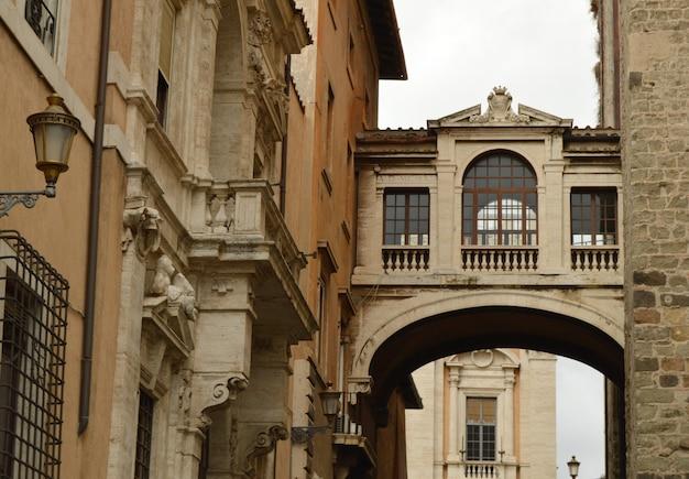 De brug voor het stadhuis