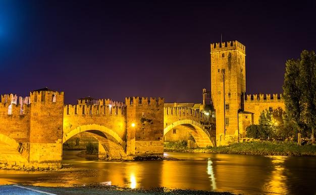 De castel vecchio-brug in verona - italië