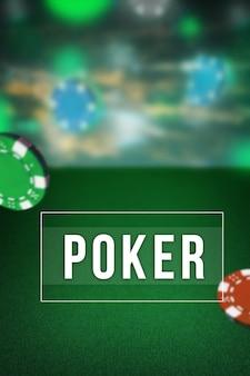 De chips voor gokken op groene tafel. pokerconcept