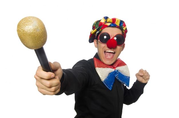 De clown met microfoon op wit wordt geïsoleerd dat