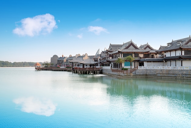 De commerciële straat aan zee, haihua island, hainan, china.