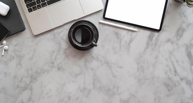 De creatieve werkplek van professionele fotografen