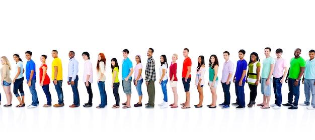 De diversiteitsmensen overbevolken vrienden communicatie concept