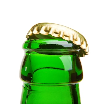 De dop van de bierfles openen